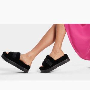 Ugg Fluffita Black Fuzzy Slip On Sandals US8